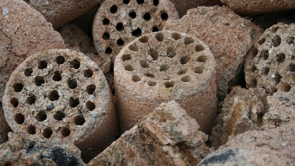 Briquete: produção ecologicamente correto e de baixo custo