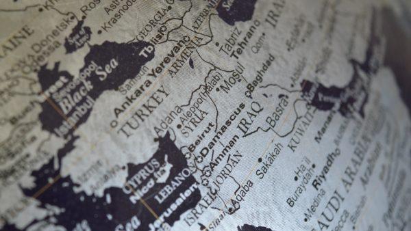 A geopolítica faz do seu aspecto central a relação entre as nações