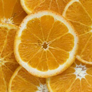 Os frutos são importantes fontes de nutrição e de renda
