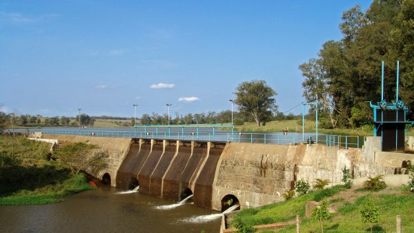 Reservatório de água ajuda no abastecimento do país