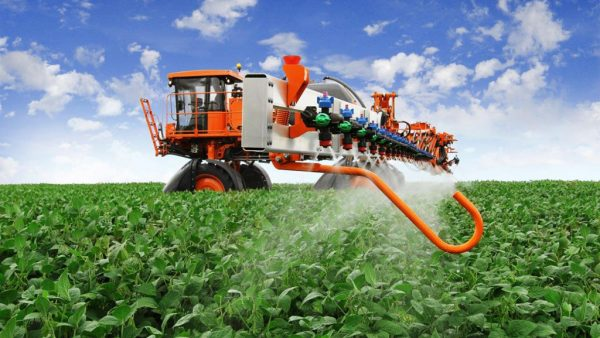 Pulverizador é indispensável na jardinagem e no campo agrícola