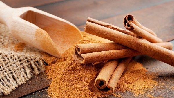 Canela ajuda a reduzir o colesterol ruim e emagrecer com saúde