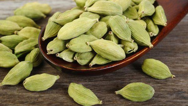 Cardamomo é um tempero de sabor e aroma parecidos com o gengibre