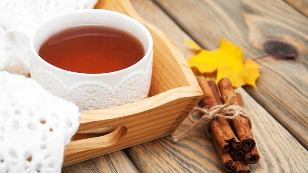 Chá de canela traz uma série de benefícios para o organismo