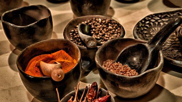 Pimenta é rica em vitamina C e pode ser encontrada no mundo todo