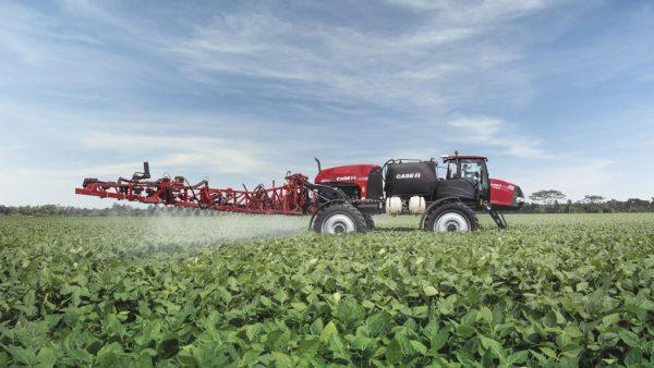 Pulverizador agrícola ajuda nos cultivos e precisa de manutenções