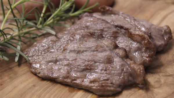 Bife é o nome popular dado a um pedaço de carne