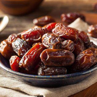 Tâmara é um delicioso fruto comestível que traz muita energia