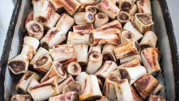 Tutano é um tipo de tecido que preenche a cavidade interna de ossos