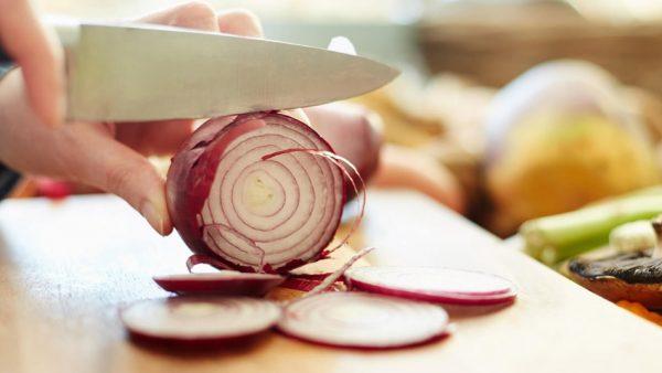 9 benefícios da cebola para você não deixá-la de fora de nenhum prato