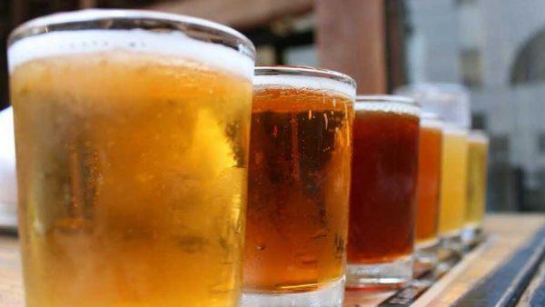 Cerveja IPA (India Pale Ale) é bastante amarga e tem alto teor alcoólico