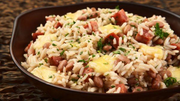Baião de dois é prato típico e delicioso da região Nordeste