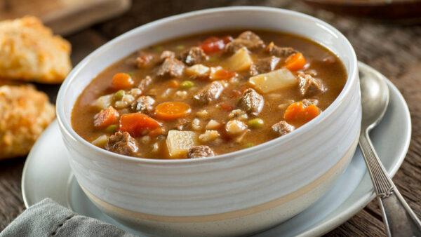 Sopa de feijão utiliza um dos grãos mais ricos da agricultura