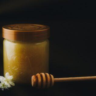 Mel de manuka é produzido a partir de flor da Nova Zelândia